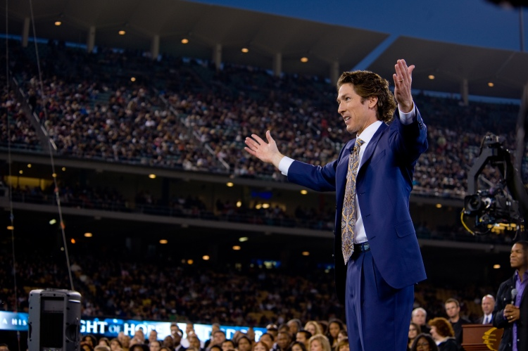 261840-Joel_Osteen_at_Dodger_Stadium